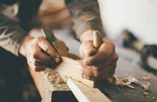 HAND HELD WOODWORKING TOOLS FOR BEGINNERS